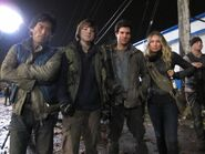 Falling-Skies-201-202-Behind-the-Scenes-Pictures-7-1024x768