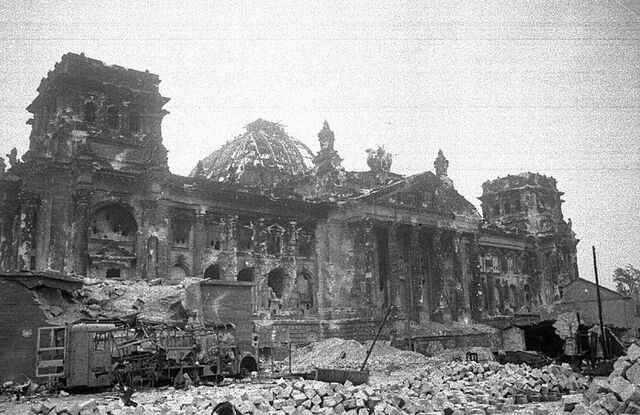 File:Reichstag after World War II - 1945.jpg
