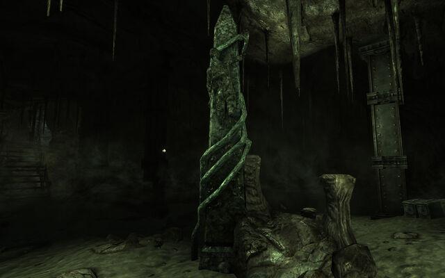 File:Obelisk Dunwich.jpg