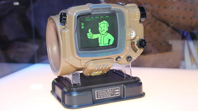 File:Fallout-4-Pip-Boy-Edition.jpg