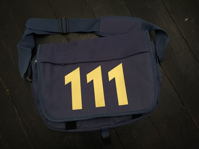 File:MessengerBag111.jpg