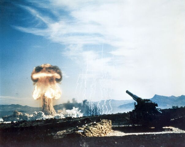 File:Nuclear artillery test Grable Event - Part of Operation Upshot-Knothole.jpg