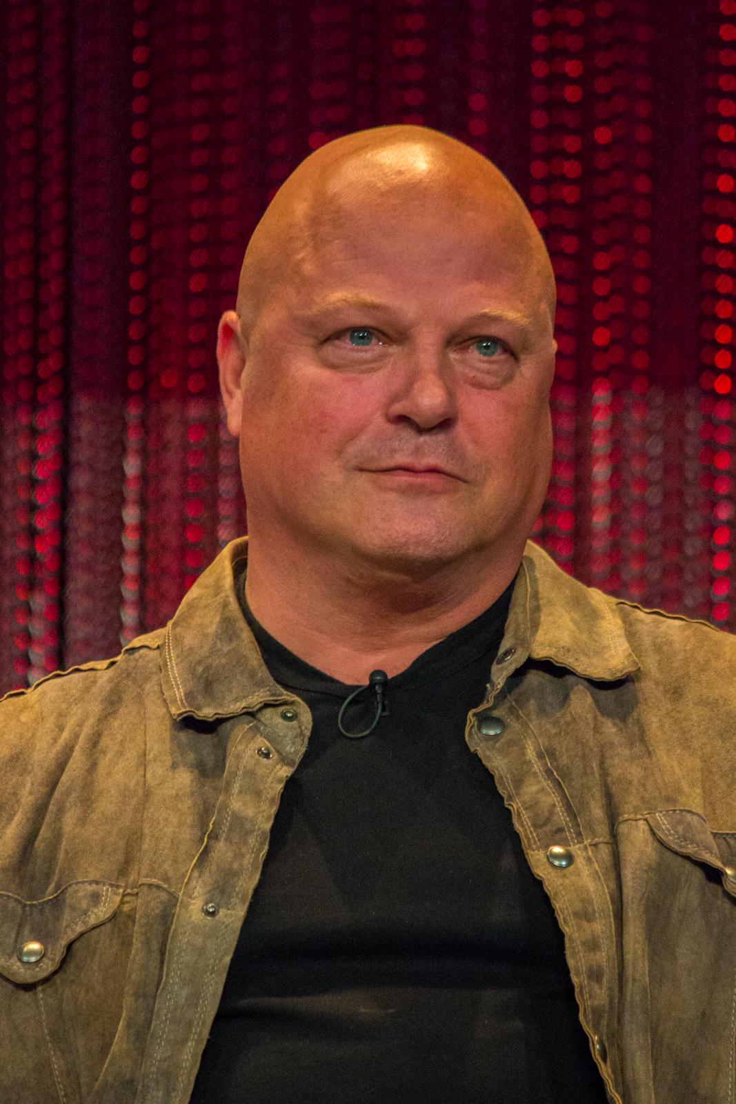 MichaelChiklis