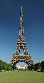 Tour,Paris