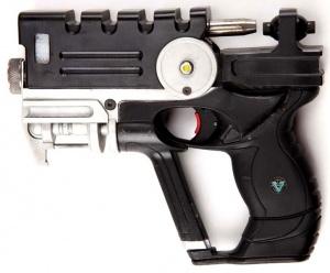 File:Korben's Handgun.jpg