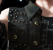 Prompto's-Vest-Closeup-FFXV