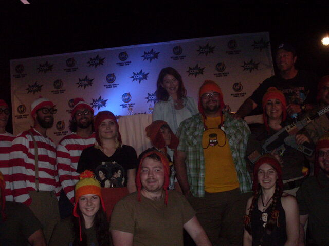 File:Jewel Staite & Adam Baldwin with Jayne Hat and Waldo Group 3.jpg