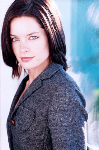 File:Gina Holden01.jpg