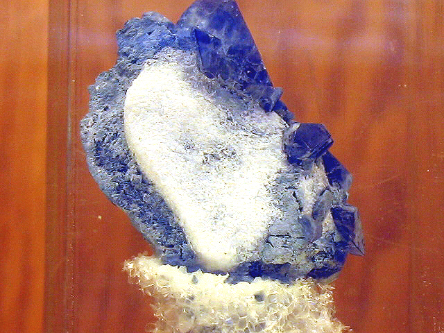 File:Orbaline-crystal.jpg