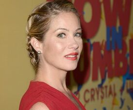 Christina-applegate-2013