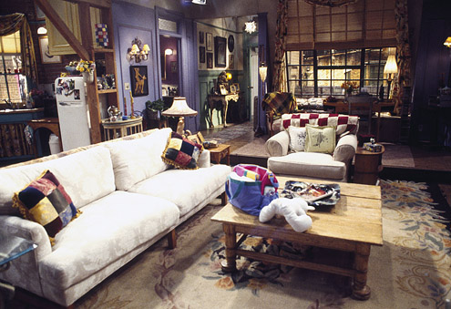 File:Monica's apt..jpg