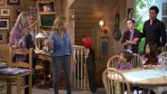 Fuller House S01E02 Screenshot 001