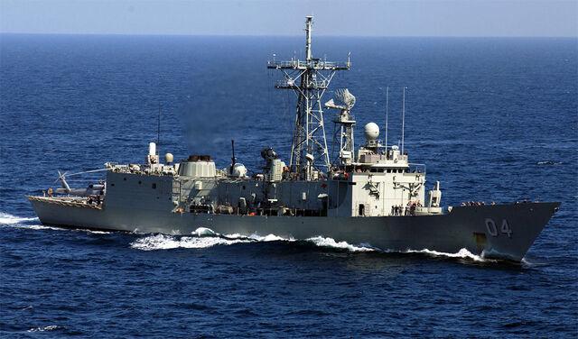 File:HMAS Darwin F-04.jpg