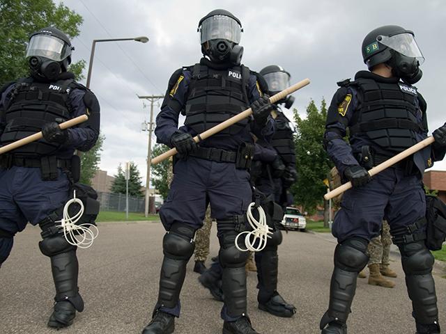 File:Riot-police 9-2-08.jpg
