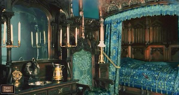 File:Neuschwanstein King bed.jpg