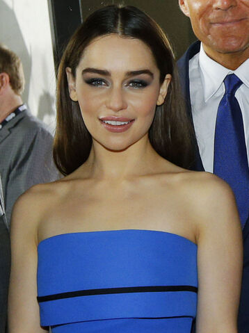 File:Emilia Clarke 2013 (Straighten Colors 2).jpg