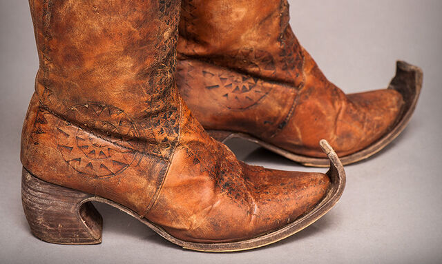 File:Sand Snake boots.jpg