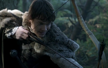 Theon attacks Osha.png