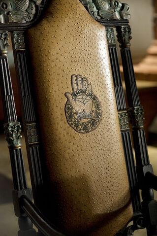 File:Hands-chair.jpg