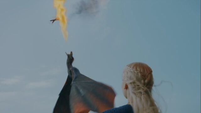 File:Drogo fire with fish S3 Ep1.jpg