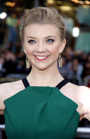 File:Natalie+Dormer+Game+of+Thrones+Roland+Mouret+Tom+Lorenzo+4.jpg