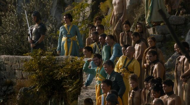 File:Meereen masters guards and slaves 403.jpg