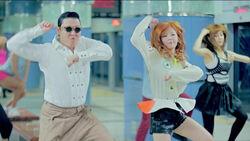Kiyoteru-Fansub-PSY-Gangnam-Style.mp4 snapshot 02.37 2012.09.17 01.53.33