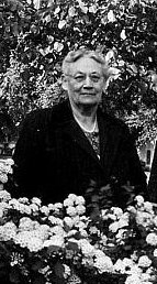 Anna Lynch Portrait