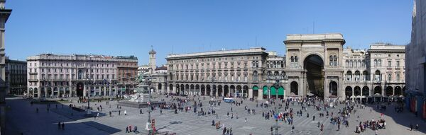 Panorámica Plaza Duomo (Milán)