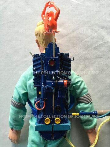 File:15InchBackpack HeroesEgonPrototypeSc04.jpg