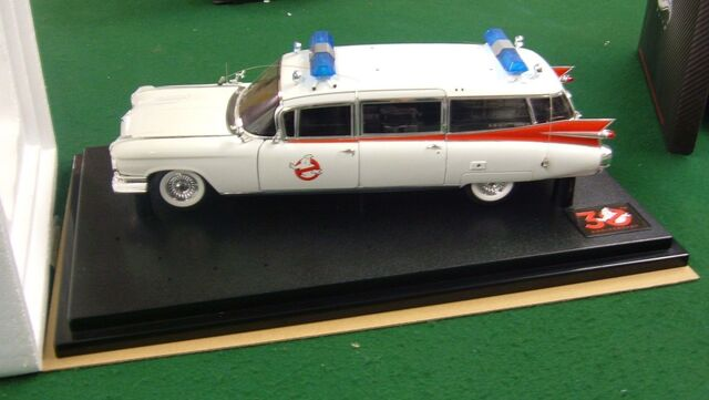 File:Hot Wheels Ecto1 1-18 Scale 30th Elite04.jpg