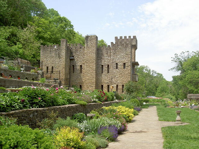 File:LOVELANDCASTLE.jpg