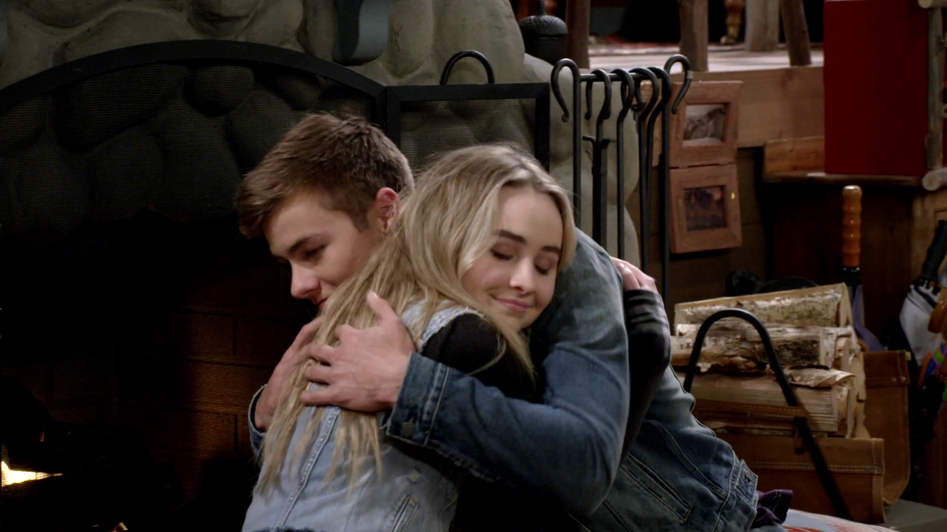 latest episode of girl meets world hug