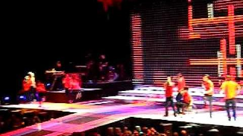 Sing - Glee Live in Toronto, June 12th 2011