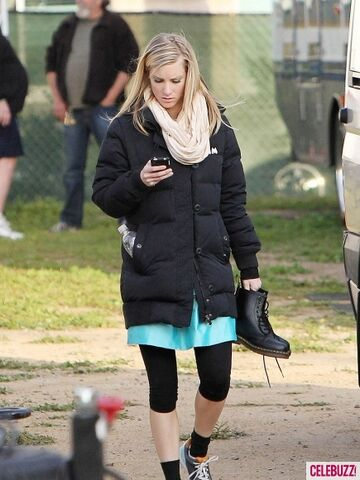 File:HEATHER-MORRIS-GLEE-435x580.jpg