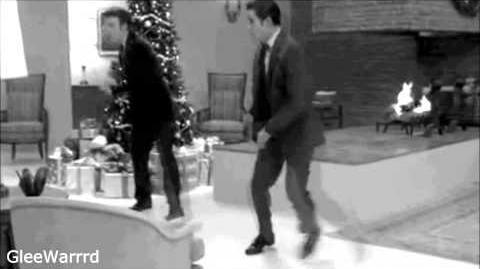 Glee - Let It Snow (Full Performance)