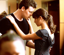 File:Couple-cute-finchel-finn-hudson-glee-love-73450.jpg