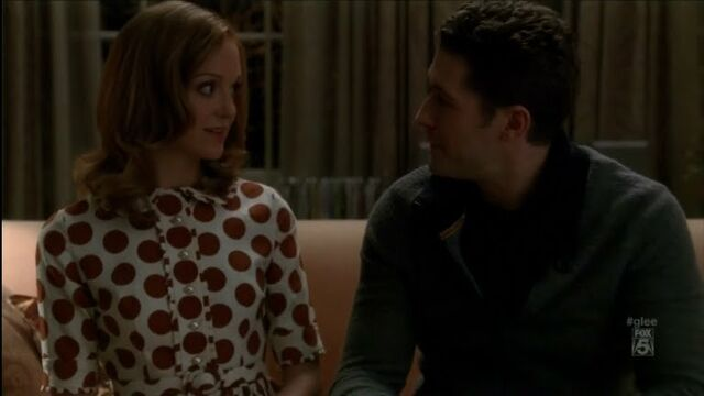 File:Emma Pillsbury Brown and White Polka Dot Dress.jpg