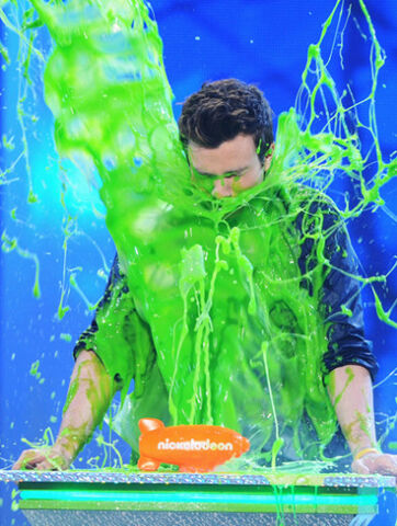 File:Chris colfer slimed.jpg