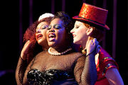 05 Santana Mercedes und Brittney in The Rocky Horror Glee Show.jpg