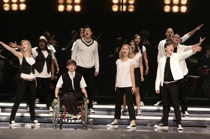 File:Glee-throwdown-pictures.jpeg