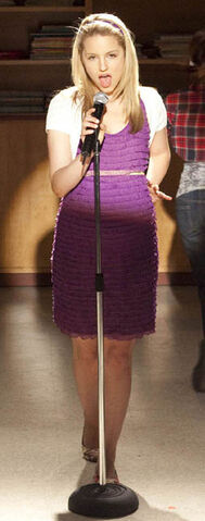 File:Quinn Singing.jpg