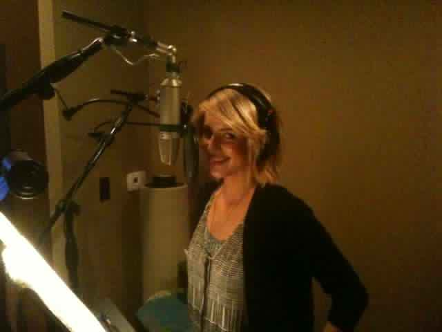File:Dianna singing.jpg