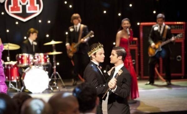 File:Prom-Queen-Stills-kurt-and-blaine-21929763-600-366.jpg