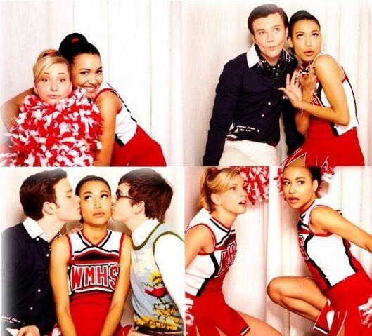 File:Glee-glee-21951539-585-530.jpg