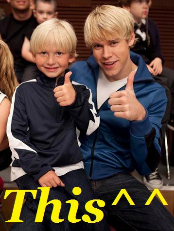 File:This Sam and Mini Sam.png
