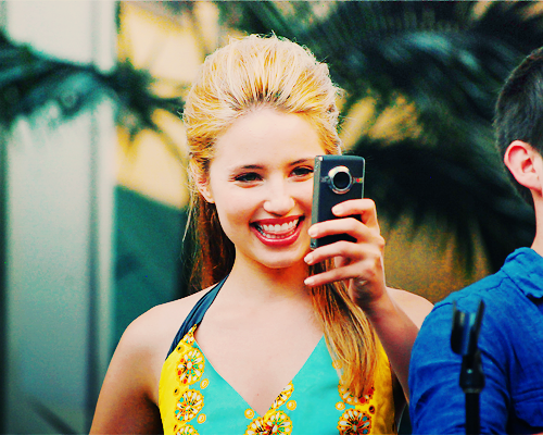 File:Smily dianna.png