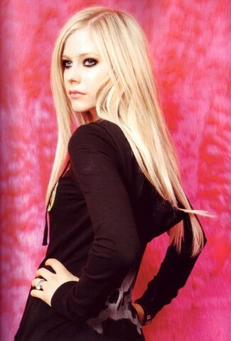File:Avril-lavigne-20071221-353895.jpg