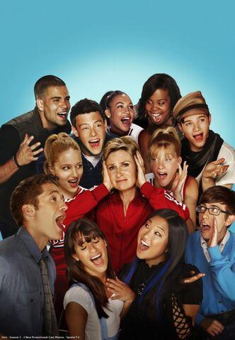 File:Glee .jpg