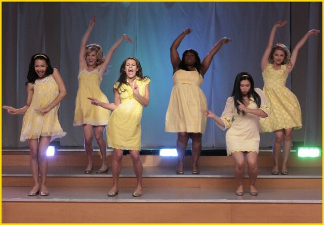 File:Glee girls Vitamin D.jpg